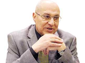 المستشار عبد الستار إمام رئيس محكمة جنايات القاهرة السابق، ورئيس نادى قضاة المنوفية الاسبق