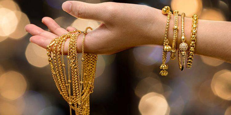 تفسير حلم الذهب في المنام للعزباء والمتزوجة والرجل