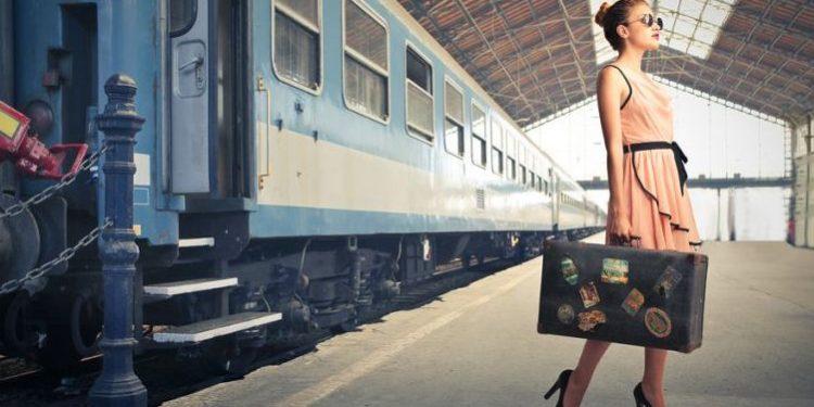 تفسير حلم ركوب القطار في المنام للعزباء والمتزوجة والرجل اوان مصر