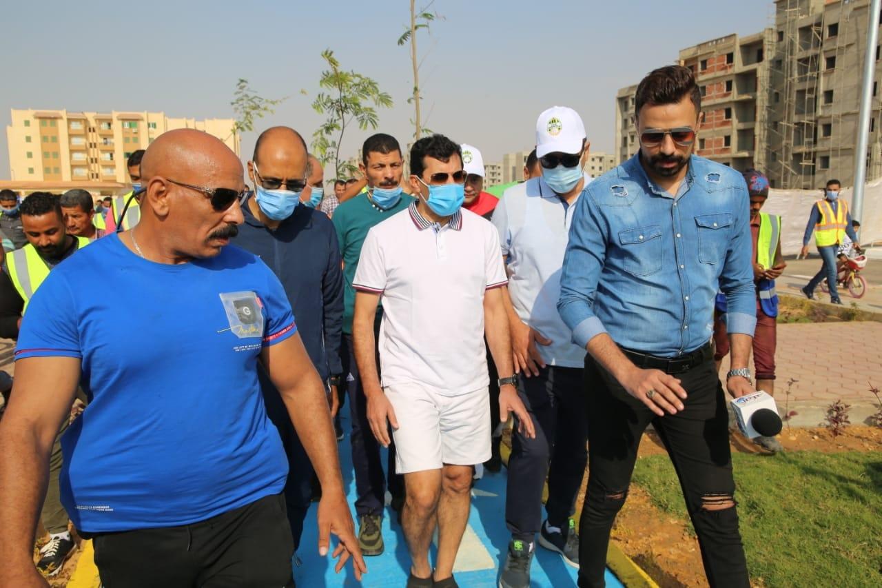 أشرف صبحي في ماراثون دراجات بالشروق