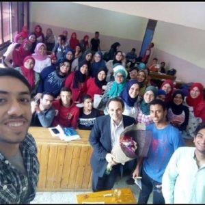 بهاء عبد الحميد مع طلابه