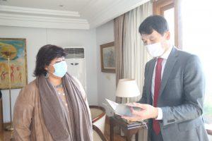 وزيرة الثقافة المصرية تستقبل سفير كوريا