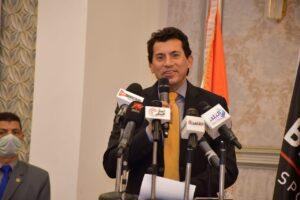 وزير الرياضة يشهد الإعلان عن بطولتي الاسكواش