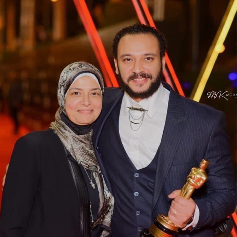أحمد خالد صالح والراحلة والدته