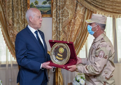 الرئيس التونسي في قناة السويس