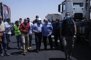 وزير النقل يتفقد محور قوص