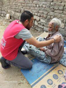 صرخات مسن بشوارع القاهرة