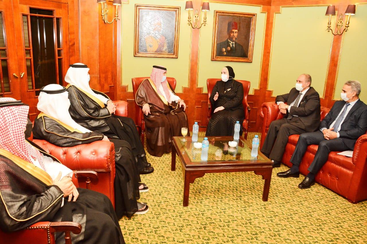 جانب من لقاء وزيرة التجارة مع نظيرها السعودي والوفد المرافق له