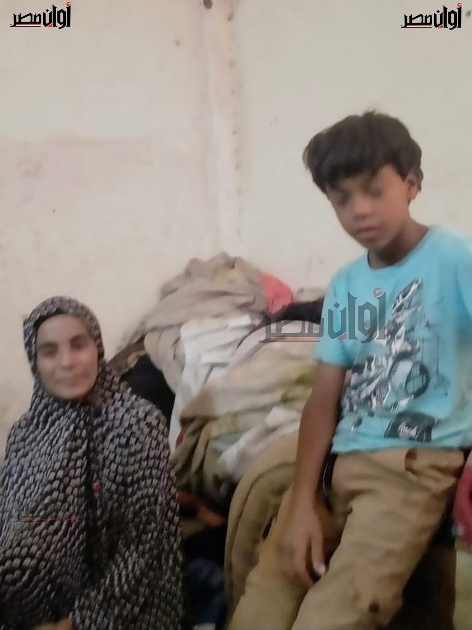 استجابة لـ أوان مصر..العثور على الطفل كريم رسام الرصيف بالبحيرة وتوجيهات بتلبية طلباته وأسرته